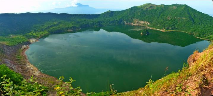 https://cdn.pixabay.com/photo/2018/03/21/22/25/monolithic-part-of-the-waters-3248509_960_720.jpg
